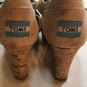 Toms Shoes - Tim's Natural Color Linen Wedge Sz 8 As is